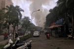 Video: Quán cà phê tre nứa cháy dữ dội, huy động gần 50 cảnh sát để dập lửa