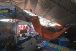 Lốc xoáy phá tan hoang hàng loạt gian hàng tại hội chợ Việt – Trung