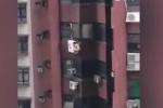 Trần truồng bám trên điều hòa tầng 8 trốn chồng của người tình