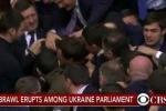 Clip: Nghị sĩ Ukraine ẩu đả giữa quốc hội