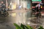 Hình ảnh kỳ thú: 'Nhạc nước' trong mưa lớn ở TP.HCM