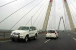 5 ô tô chạy ngược chiều trên cầu Nhật Tân: Ai ra hiệu cho xe biển xanh quay đầu?