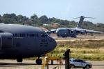Máy bay chở hàng quân sự Mỹ tới Colombia, chờ được cho phép vào Venezuela