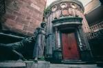 Lời nguyền bí ẩn về khách sạn 'ma ám' bỏ hoang 50 năm giữa phố cổ