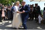 Video: Tổng thống Nga Putin khiêu vũ cùng Ngoại trưởng Áo trong đám cưới của bà