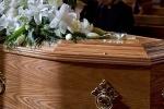 Chết được 10 ngày, thi thể người phụ nữ vẫn đẻ con