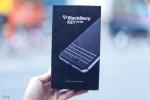 Ngắm BlackBerry KeyOne giá 19 triệu đồng ở Việt Nam