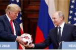 Trong quả bóng ông Putin tặng ông Trump tại Helsinki có con chip truyền dữ liệu