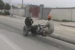 Xe tự chế 'độc nhất vô nhị' của công nhân