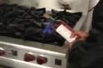 Clip: Hơ chai rượu lên bếp gas mở nút, hotboy 9x suýt 'nát mặt' vì rượu phát nổ