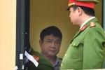 Hình ảnh ông Đinh La Thăng trong ngày đầu xét xử vụ án góp 800 tỷ đồng vào Oceanbank