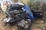 Ô tô con tông đuôi xe tải, 5 người thương vong