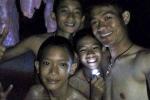 Thợ lặn cứu hộ đội bóng Thái Lan kinh ngạc trước sự bình tĩnh của những đứa trẻ