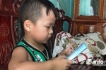 Kinh ngạc cậu bé 4 tuổi ở Hà Tĩnh bỗng nhiên nói tiếng Anh như gió