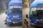 Băng qua đường đúng lúc xe buýt đi tới, bé trai 6 tuổi thoát chết trong gang tấc