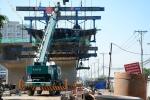 Video: Cây cầu hơn 800 tỷ đồng thi công dang dở ở TP.HCM