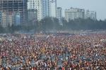 Nóng kỷ lục, biển người chen cứng giải nhiệt ở Sầm Sơn, Cửa Lò, Đồ Sơn