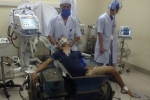 Đau xót nam thanh niên bị kẹt chặt trong máy làm gạch, chân phải bị nghiền nát
