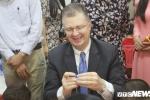 Đại sứ Mỹ tham gia múa lân, nặn bánh đón Trung thu cùng thiếu nhi Việt Nam