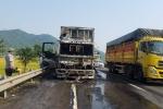 Xe tải chở hoa quả trên quốc lộ 1A bốc cháy, thiêu rụi cabin