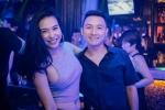 Nữ DJ Hà thành xinh đẹp bất ngờ được bạn trai cầu hôn ở quán bar