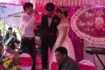 Clip: Thanh niên hát 'Trái tim bên lề' trong đám cưới người yêu cũ và bạn thân