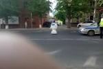 Robot Nga 'trốn' phòng thí nghiệm ra đường gây tắc nghẽn giao thông