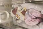 Bé gái sơ sinh bị bỏ rơi trên ghế đá bệnh viện Quảng Ninh được cứu sống