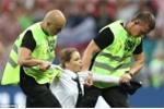 Chung kết World Cup có chuyện lạ, gián đoạn hơn 1 phút