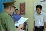 Video: Công an tống đạt quyết định khởi tố PGĐ Sở GD-ĐT Sơn La và đồng phạm