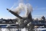 Video: Tháp truyền hình cao 200 m bị giật sập trong tích tắc