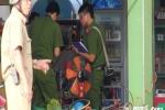 Thi thể người đàn ông trên vũng máu trong tiệm sửa xe ở Sài Gòn