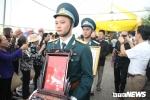 Anh: Hang tram nguoi khoc nghen tien biet liet si Pham Giang Nam ve dat me hinh anh 5