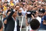 Ronaldo đến Italia, chính thức ra mắt Juventus