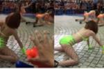 Dàn chân dài mặc bikini nhảy nhót phản cảm trước hàng trăm trẻ em trong công viên Đầm Sen
