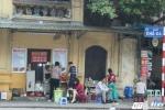 Sau 1 tháng ra quân dẹp vỉa hè, phố Hà Nội vẫn nhếch nhác