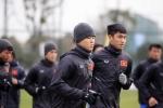 U23 Việt Nam tập kín, đội mũ trùm khăn chống giá rét ở Trung Quốc