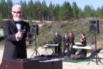 Chủ tịch Liên đoàn bắn súng thực tế Nga trình tấu nhạc Beethoven bằng súng lục