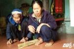 Phải xin quan tài lo hậu sự cho con trai tâm thần, mẹ già 91 tuổi lại còng lưng nuôi con gái mù lòa
