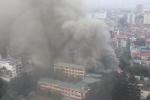 Hà Nội: Cháy lớn trên đường Phan Kế Bính, khói đen cuộn kín trời