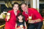 Gia đình Bình Minh ton-sur-ton đến chúc mừng Hoa hậu Thu Hoài