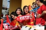 Ảnh: Rừng người 'rực lửa' trong sân vận động Hàng Đẫy cổ vũ U23 Việt Nam