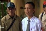 Video: Trẻ em Indonesia trở lại trường học sau thảm họa kép