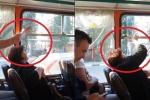 Clip: Cuộc chiến đóng - mở cửa căng thẳng chưa từng có trên xe buýt