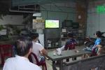 Chủ nhà mải xem World Cup, bị trộm buộc cửa nhốt trong nhà