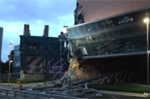 Mexico: Trung tâm thương mại mới xây đổ sập trong tích tắc
