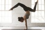 Vỡ đốt sống lưng vì tập yoga quá sức