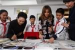 Phu nhân Tổng thống Trump học nấu ăn và thư họa ở Bắc Kinh