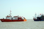 Nghệ An: Tiếp nhận và lai dắt tàu cá cùng 6 ngư dân Quảng Bình bị nạn