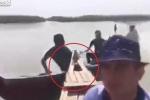 Quay clip tự sướng khi đi thuyền máy trên sông và cái kết thảm khốc